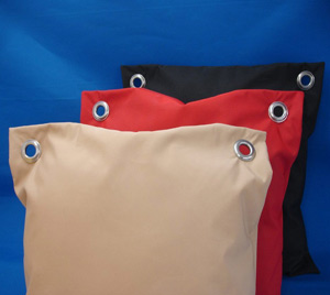 2_eyelets_cushions